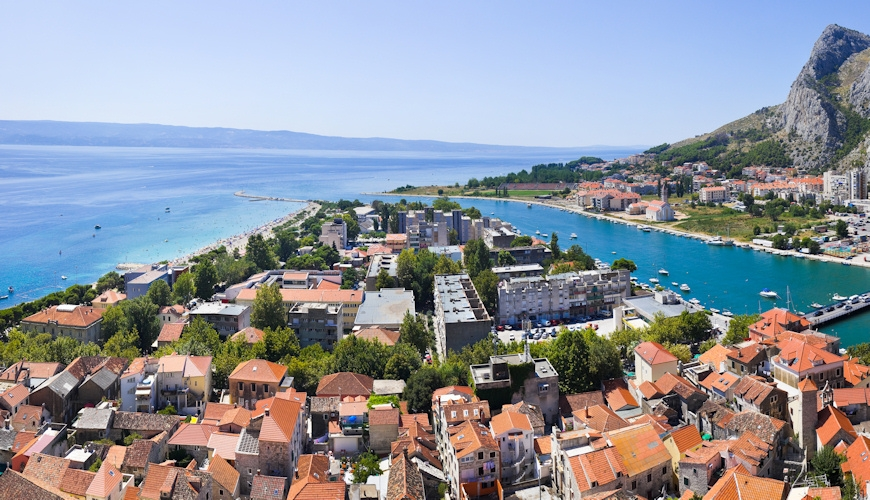 Discover Omis